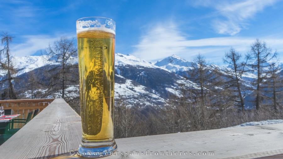Vue panoramique depuis le restaurant le Bois Sauvage - Val d'Hérens, Suisse