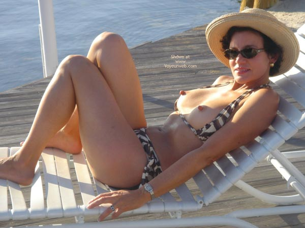 strictly amateur nude wife on vacation pics