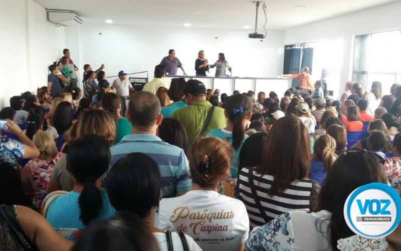 Por atraso de pagamento dos servidores, sindicato realizou assembleia em Carpina