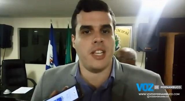 Diogo Prado pede suspensão de pregão para locação de veículos e apuração de superfaturamento em Carpina