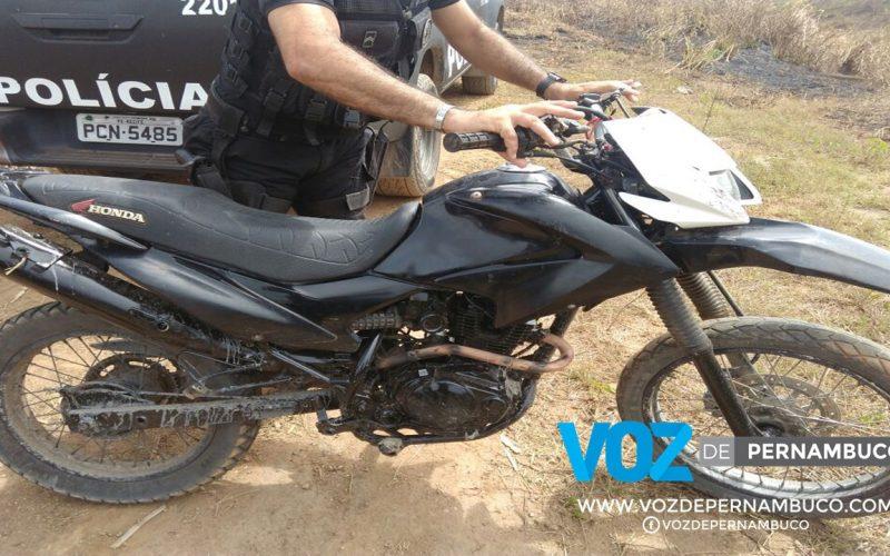 Moto roubada é recuperada em Carpina