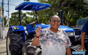 Lagoa do Carro recebe trator novo para zona rural