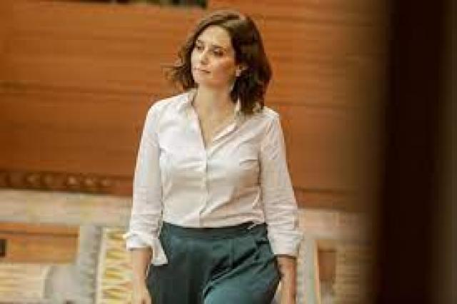Díaz Ayuso se convierte en presidenta de la Comunidad de Madrid entre  aplausos y sospechas de corrupción