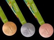slovenske-medaily-sada