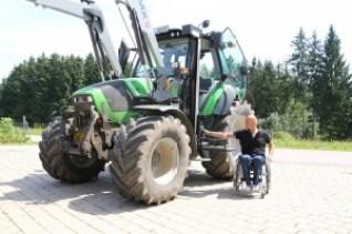 traktor-zeleny