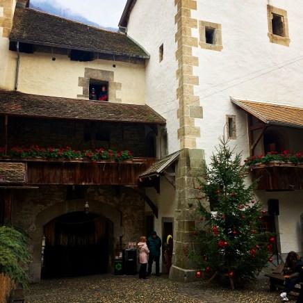 Un cortile del castello