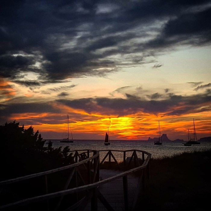 Photo Credit: Jordi Ruz -- A sunset at Beso Beach