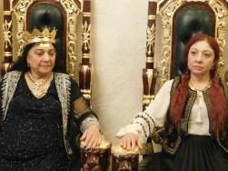 vrajitoarea Ioana Sidonia cu mama sa