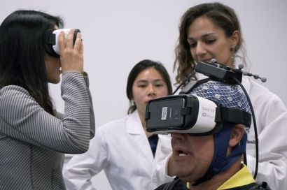 neuroscience paitents in vr headsets in ucla lab study