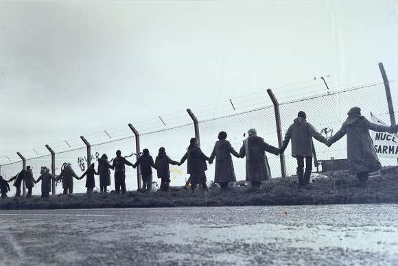 Greenham Common nuclear base: women's peace action