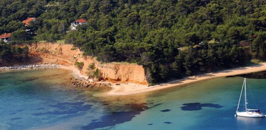 Biograd Vrgada plaža podbrizi 1