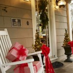 79 Beautiful Farmhouse Front Porches Decorating Ideas-3986