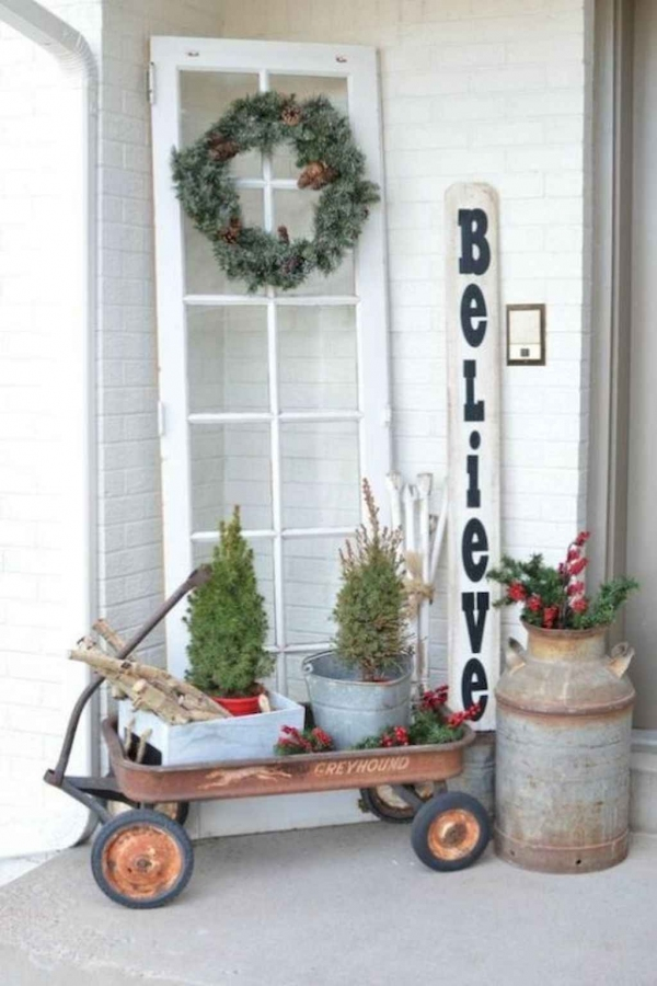 79 Beautiful Farmhouse Front Porches Decorating Ideas-3956