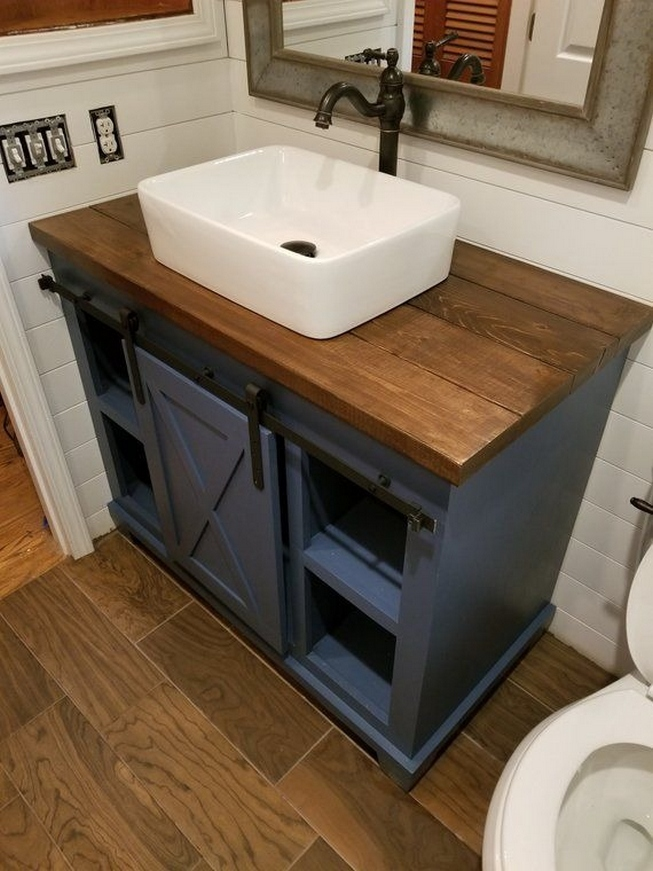 49 Small Bathroom Storage Decoation Ideas Here's How To Get All The Space You Need 19