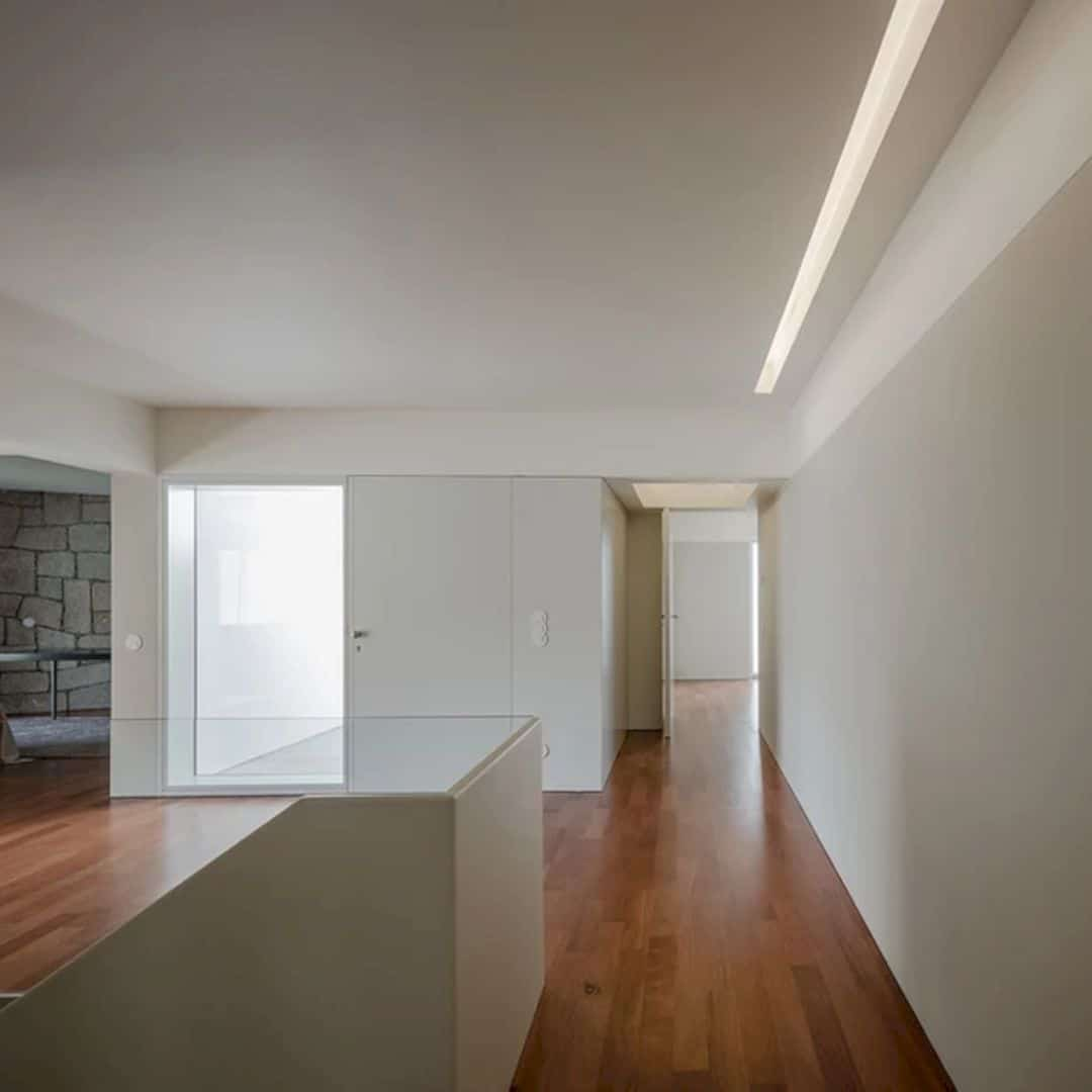 ED&JO Property: A New Solitary Relatives Dwelling On Sloped Topography With