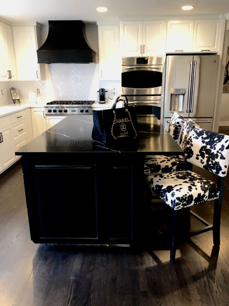 Beautifull Totally Modern Black And White Kitchen 62