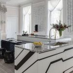 Tips For Creating Beautiful Black Or White Retro Themed Kitchens 30