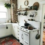 Tips For Creating Beautiful Black Or White Retro Themed Kitchens 42