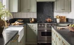 Tips For Creating Beautiful Black Or White Retro Themed Kitchens 52