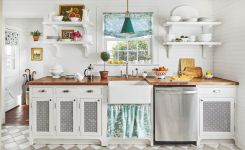 Tips For Creating Beautiful Black Or White Retro Themed Kitchens 53