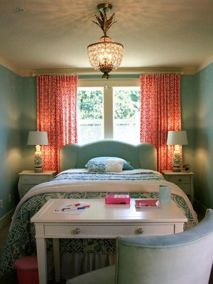 Tips For Decorating A Small Bedroom For A Young Girl 24