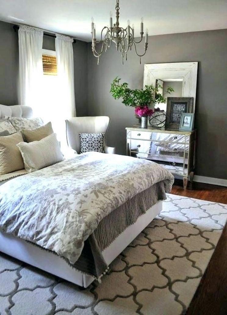 Tips For Decorating A Small Bedroom For A Young Girl 40