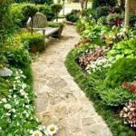 91 Small Backyard Landscape Decoration Models Are Simple And Look Creative 4