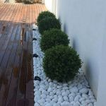 91 Small Backyard Landscape Decoration Models Are Simple And Look Creative 50