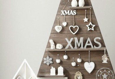 Modern Outdoor Christmas Decor