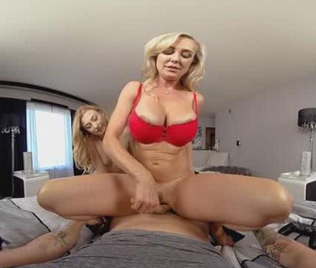 Gf Stepmom Watching K Vr Porn And Fucking
