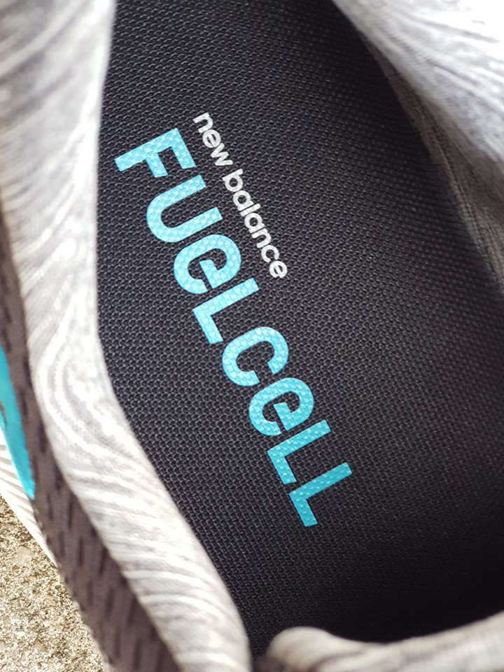 New Balance Fuelcell 4
