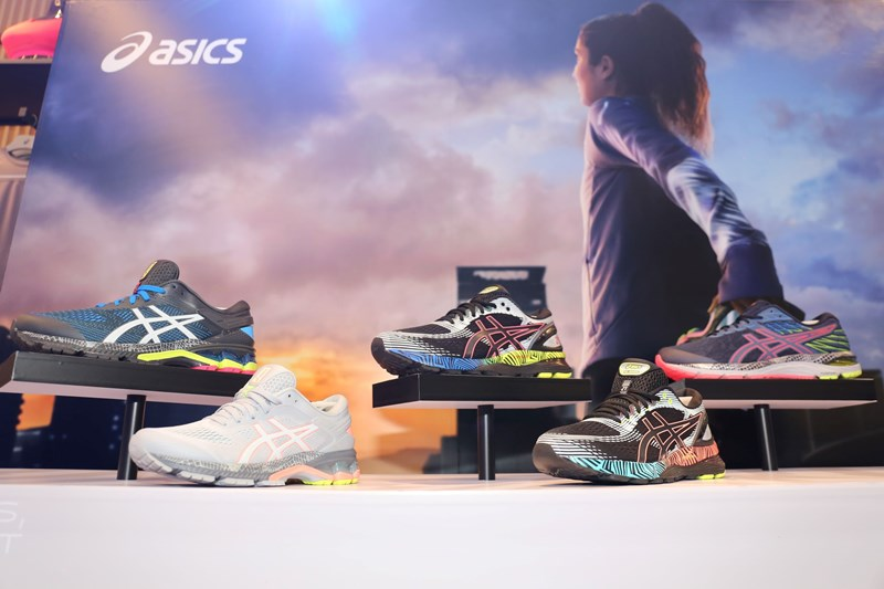 ASICS - LITE-SHOW Collection