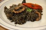 Черный рис с каракатицей