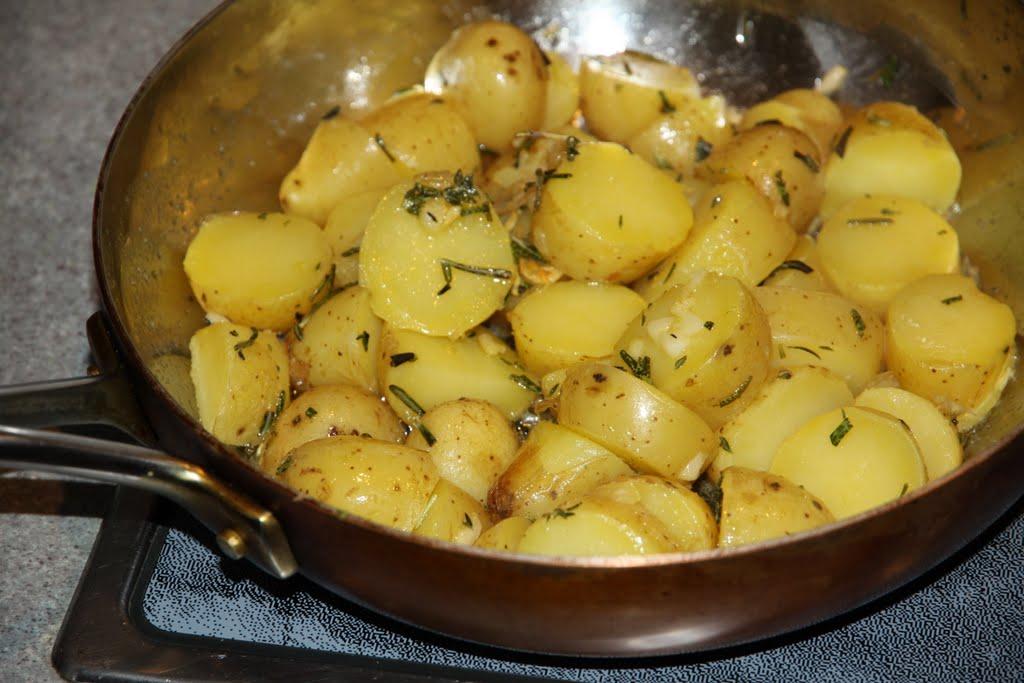 Картошка с луком рецепт с фото