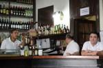 Мадрид. Бармены в пивной Cerveceria Alemana