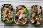 Салат с тунцом в консервных банках