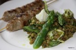 Салат из зеленой чечевицы с домашними сатаями