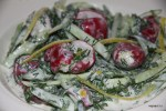 Летний салат из редиса с брынзой