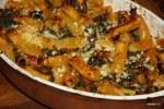 Осенняя паста с мангольдом, помидорами и козьим сыром