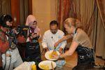 Свой первый малайзийский блин я пекла под прицелом камеры индонезийского телевидения