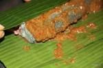 Заворачиваем рыбу в банановый лист