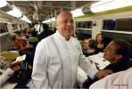 Тьерри Маркс накормил гастрономическим ужином 400 пассажиров электрички в Париже