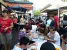 Завтрак в уличном кафе, остров Пинанг. Малайзия