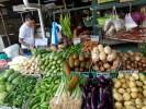 Овощной прилавок на рынке. Остров Пинанг, Малайзия