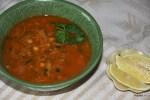 Марокканский суп харира подают с лимоном