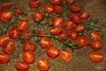 Подсушиваем помидоры черри в духовке