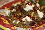 Салат из чечевицы с мягким сыром и грецкими орехами
