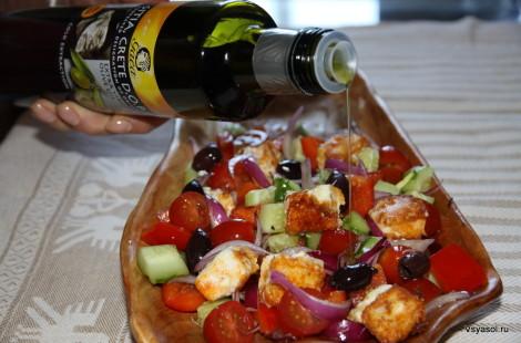 Для греческого салата необходимо греческое (в данном случае критское) оливковое масло