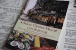 История старейшего ресторана Америки под одной обложкой