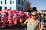 Парад розовых зонтиков завершается